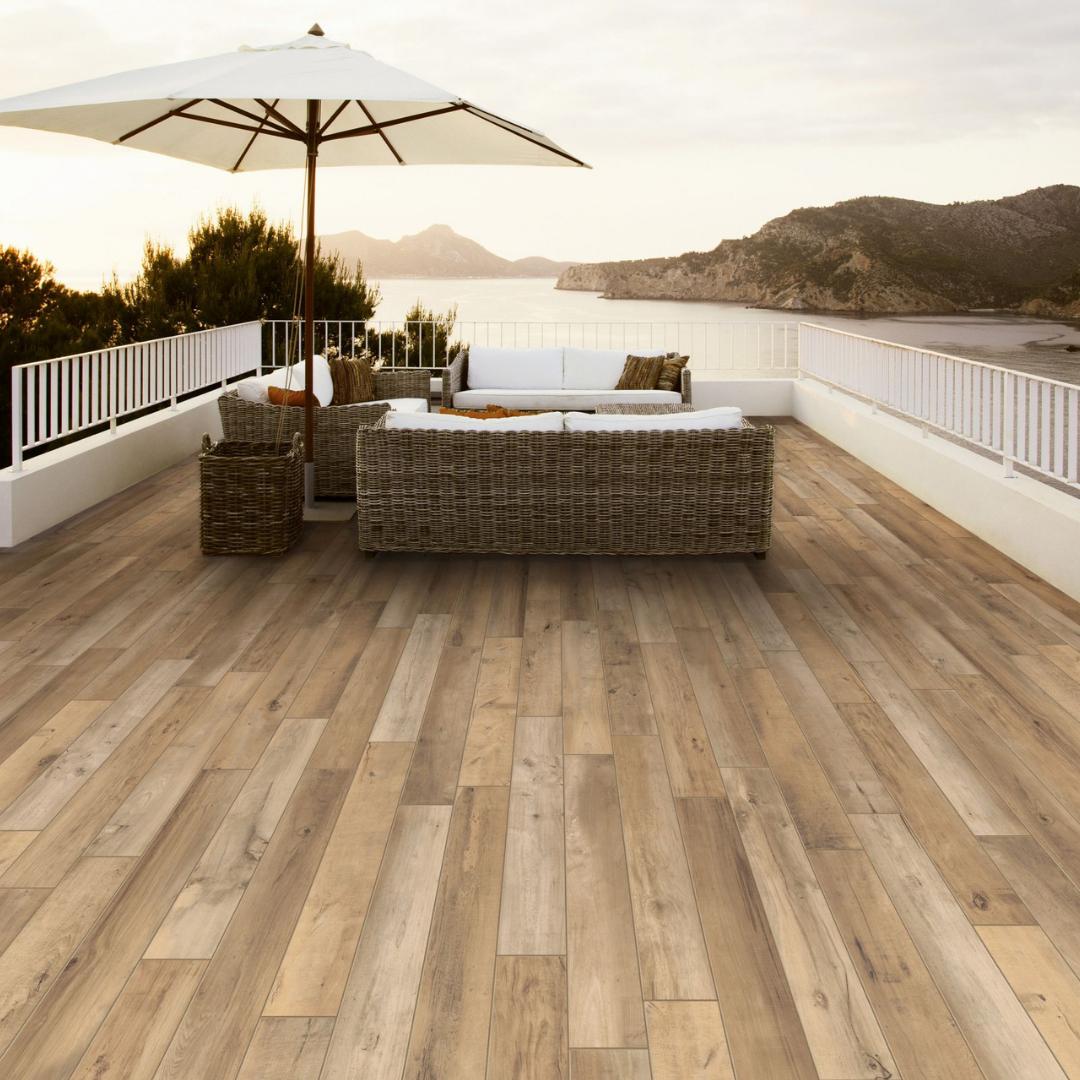 summer-tile-trends-wooden-look-tile